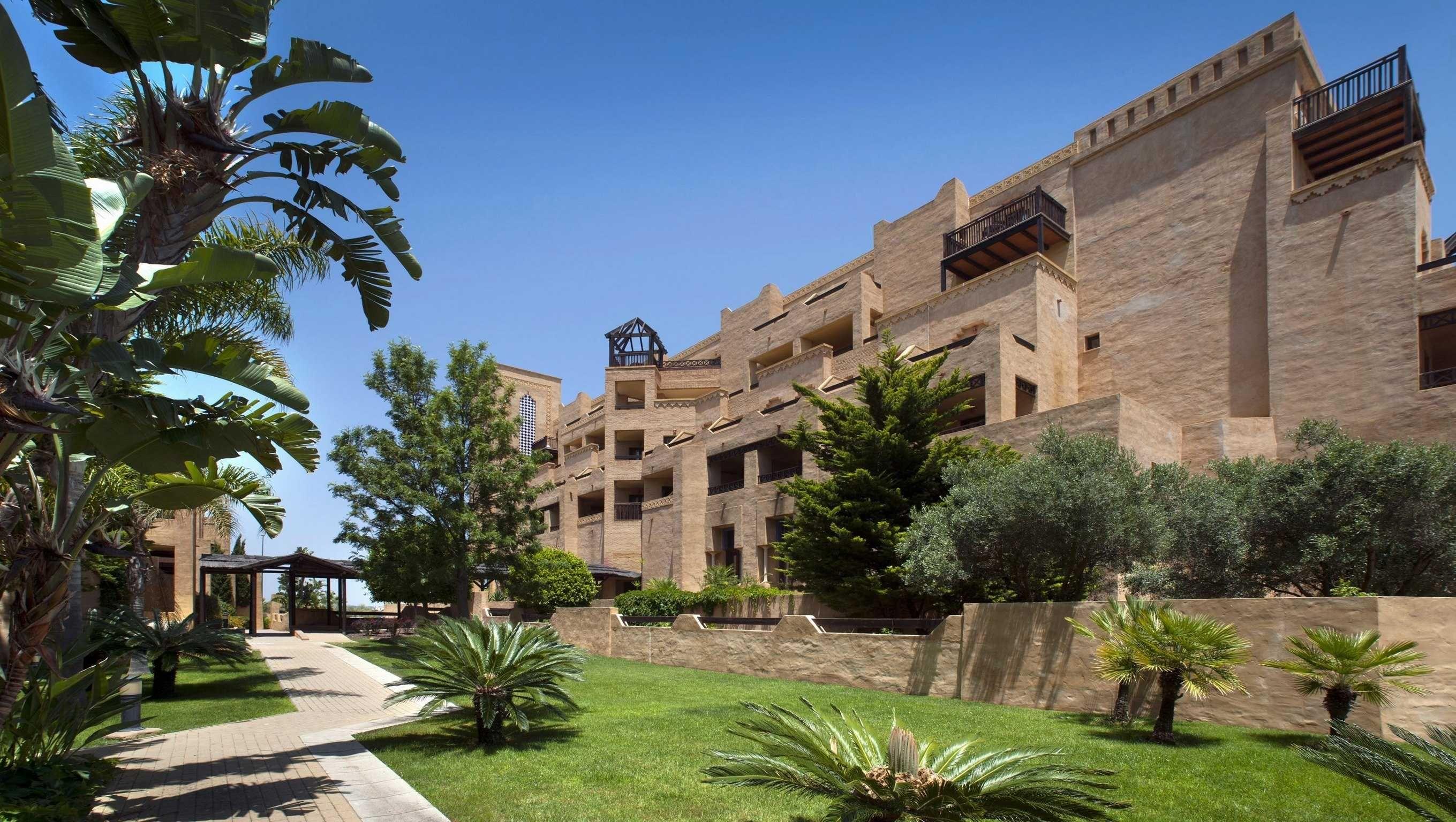 Apartamentos leo jardines de isla canela com traventia for Jardines isla canela