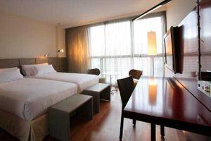 Reina Petronila Hotel