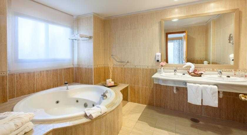 Hotel Gf Fa 241 Abe Costa Sur Con Traventia