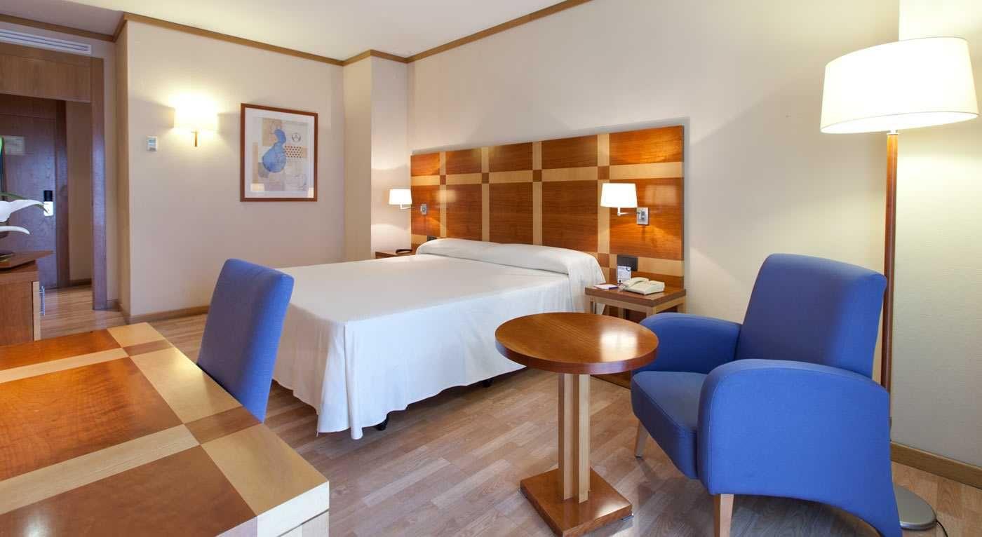 Senator parque central hotel con traventia for Hotel oceanografic ninos