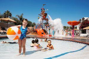 Howard Johnson by Wyndham Anaheim Hotel & Water Playground