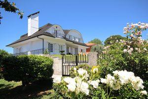 Villa Branca Barreiros Bed & Breakfast