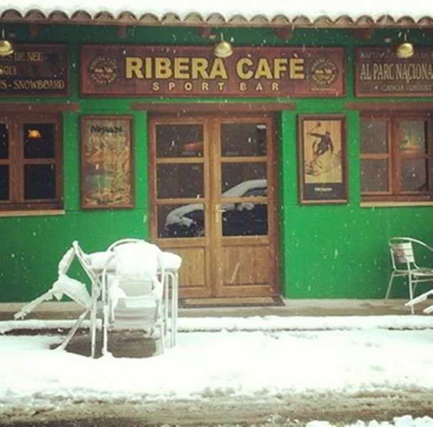 Ribera Hostal